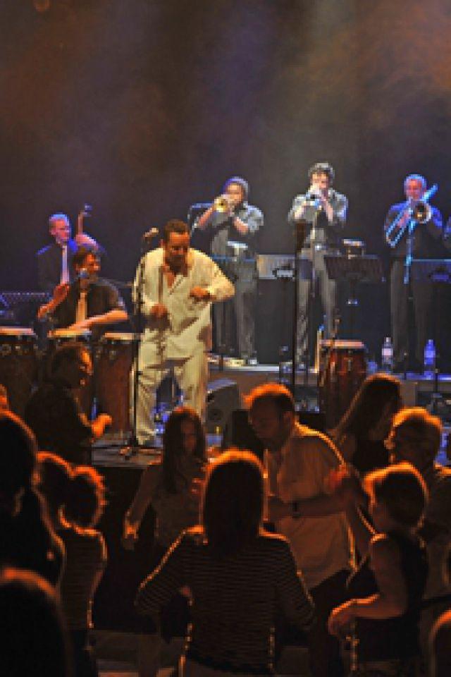 Jazz dans l'air(e) - Concert/bal salsa live avec Sonando @ LA POUDRIERE - BELFORT