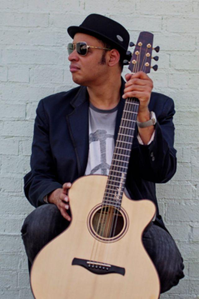 RAUL MIDON @ ELMEDIATOR - PERPIGNAN
